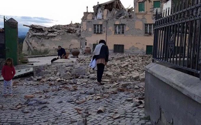 Землетрус в Італії: з'явилися нові подробиці і драматичні фото