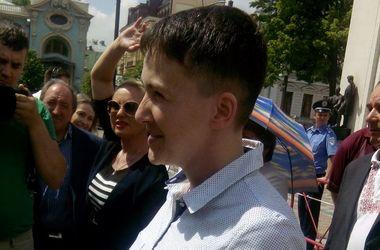 Савченко заспівала з мітингувальниками під Радою: з'явилися фото (1)