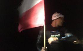 Впервые в истории человеку удалось переплыть Балтийское море: появилось видео