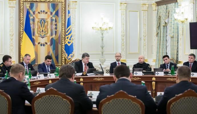 РФ многие годы будет оставаться главной военной угрозой - Порошенко