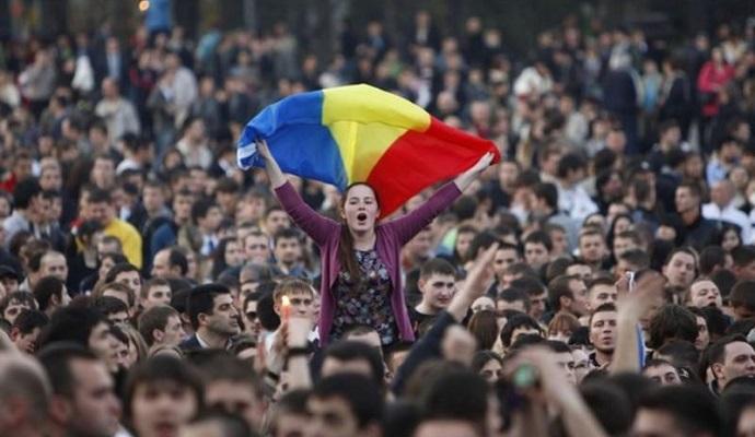 Тысячи людей в Молдове протестуют против кандидата на пост премьер-министра