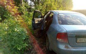 На Донетчине мужчина поехал в автомагазин и пропал, авто нашли пустым в поле