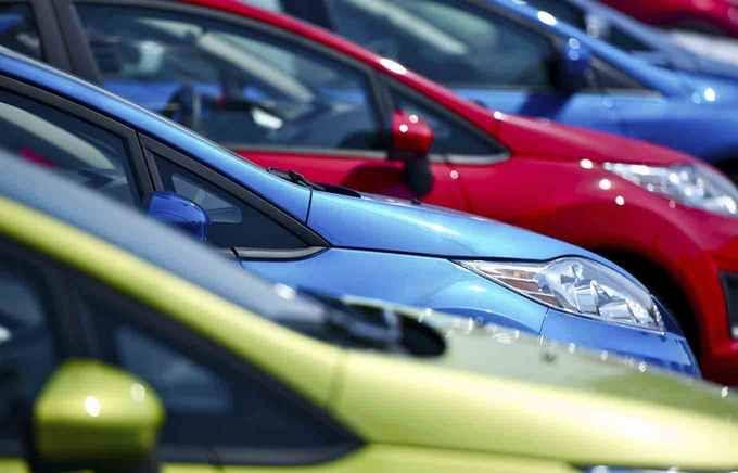 В Украине снизят тарифы на растаможку авто: названы цифры