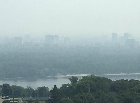 Київ оповив таємничий серпанок: опубліковані фото (1)