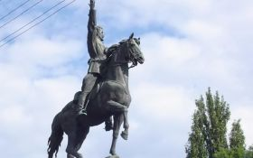В Киеве принято решение насчет известного советского памятника: в России возмущаются