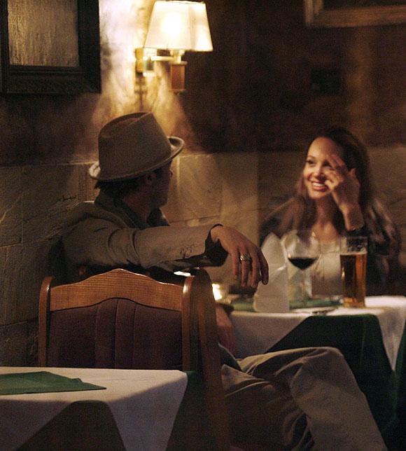 Як пройшли 12 років Бранджеліни: історія кохання Пітта і Джолі у фотографіях (7)