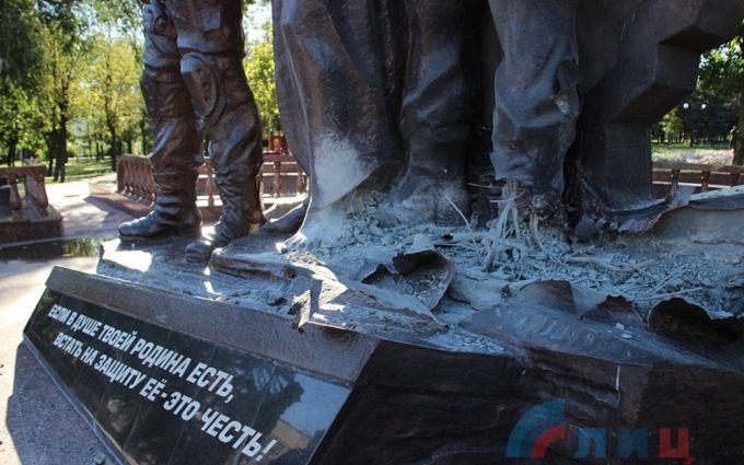 У Луганську невідомі підірвали пам'ятник бойовикам ЛНР: опубліковані фото