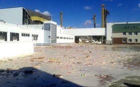 В России из-за аварии на заводе в реку вылились тонны сока: опубликовано видео