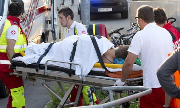 Божевільний влаштував різанину в австрійському поїзді: з'явилися фото (1)