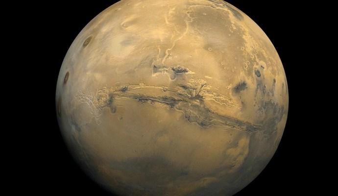 Опубликованы фото ранее обитаемого озера на Марсе