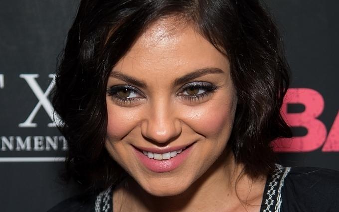Голлівудська актриса з'явилася на публіці в вишиванці: опубліковані фото
