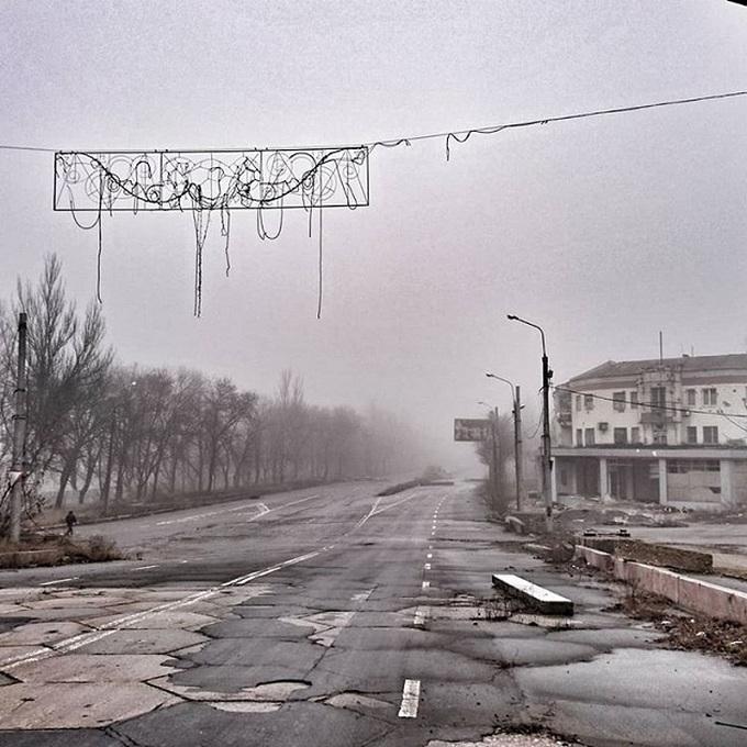 Ситуация на Донбассе: в сети появились свежие фото разрухи в Донецке (2)