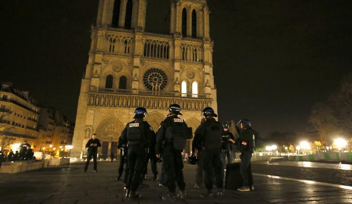 Нацсобрание Франции одобрило закон о ЧП