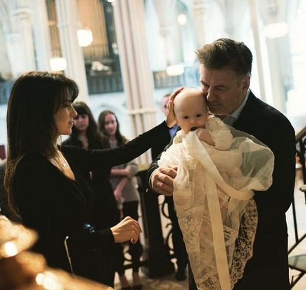 Хилария и Алек Болдуин крестили сына