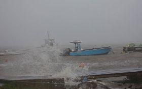 """Ураган """"Мария"""" продолжает свирепствовать в Атлантике: опубликованы новые видео"""