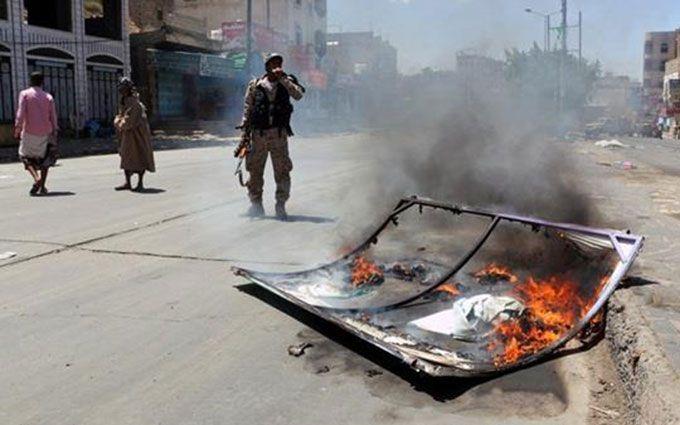 У масштабному теракті в Ємені загинули десятки людей: з'явилися подробиці і перші фото