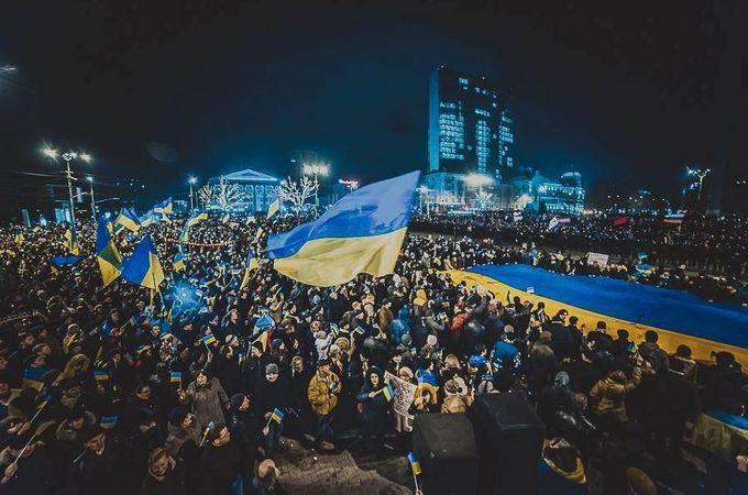 В соцсетях вспомнили большой проукраинский митинг в Донецке в 2014-м: опубликованы фото (2)