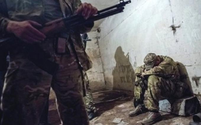 Боевики освободили еще трех украинских заложников - Порошенко