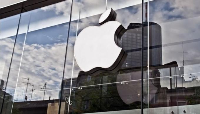 В Apple сообщили дату презентации дешевого iPhone