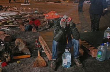 Попов оценил ущерб от митингов на Майдане