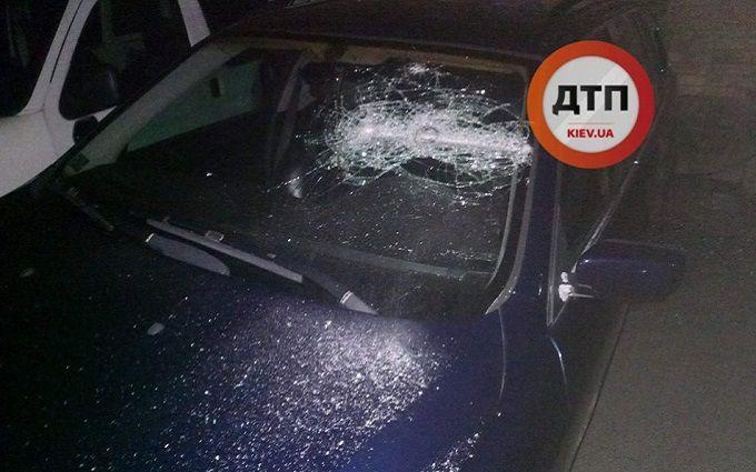 В Киеве неизвестные со стрельбой похитили мужчину: опубликованы фото