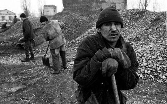На шахты Ахметова заходит российский менеджмент - луганский активист