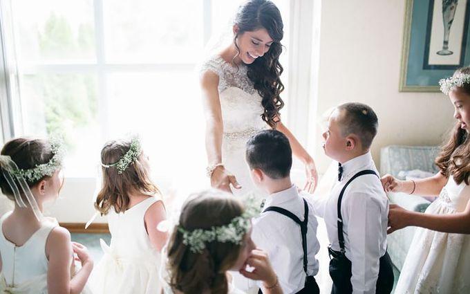 Вчителька запросила дітей з синдромом Дауна на своє весілля: зворушливі фото