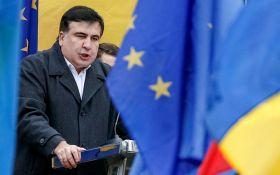 Саакашвили вручили документы по гражданству, политик обещает судиться