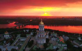 Таким Київ ви ще не бачили: з'явилося захоплююче відео з висоти «пташиного польоту»