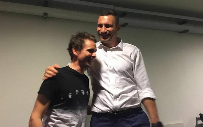 Меттью, біжи: фото з Кличко і лідером Muse викликало шквал у соцмережах