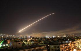 Мощный ракетный удар по Сирии: появились зрелищные фото последствий