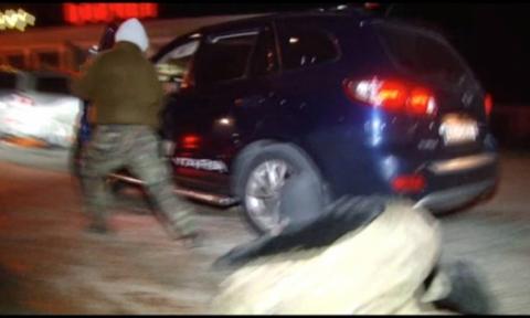 П'яний начальник митного поста намагався прорвати блокаду Криму на позашляховику (фото) (4)