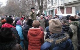 В окупованому Криму мітингують через газ і тепло, соцмережі сміються: з'явилися фото