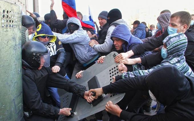 Очевидець згадав про безумців і нацистів, які почали війну в Донецьку: опубліковані фото і відео