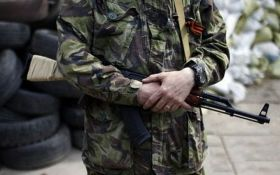 """У боевиков """"ДНР"""" появились новые шевроны и оружие"""
