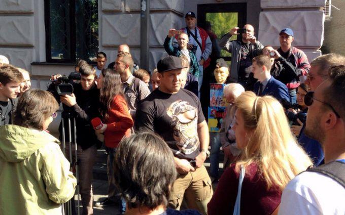 Бійка під посольством Росії: стало відомо про несподівану розв'язку