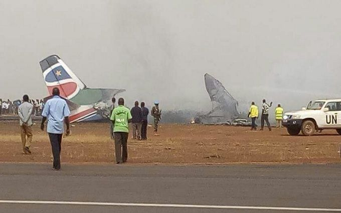 В Африке разбился пассажирский самолет, десятки жертв: появились фото