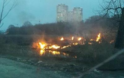 Под Киевом снова загорелся торфяник: опубликованы фото (1)