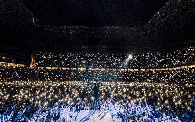 """""""Слова зайві"""": на концерті """"Океану Ельзи"""" у Львові вшанували пам'ять Скрябіна"""