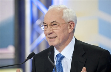 Азаров: Украина готова принять 10 тысяч наблюдателей
