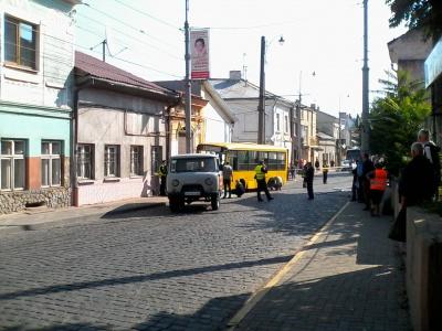 У Чернівцях сталася смертельна ДТП з маршруткою: з'явилися фото (1)