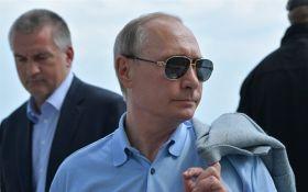 """Путін за кермом """"КамАЗа"""" відкрив Керченський міст: з'явилося перше відео"""