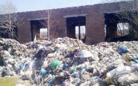 Львовский мусор привезли на Киевщину, в сети волнуются: опубликованы фото