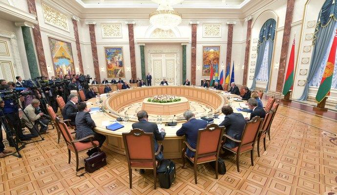 Все контактные группы по Донбассу встретились в Минске