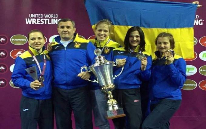 Украинки выиграли чемпионат Европы по борьбе