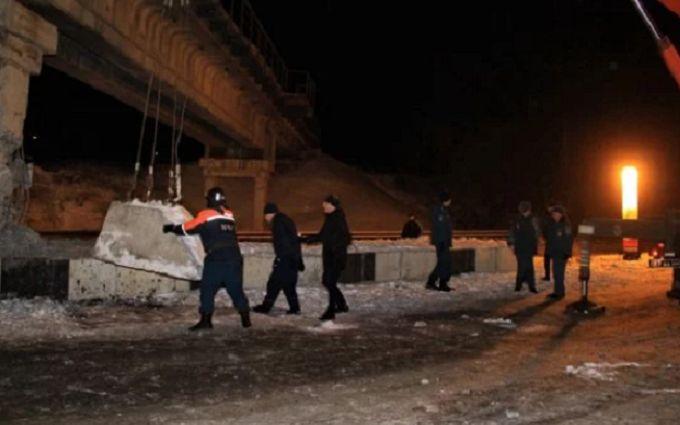 """В """"ДНР"""" заявляют о подрыве в Донецке железнодорожного моста"""