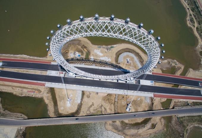 У Китаї створили найбільше в світі оглядове колесо без спиць: з'явилися фото і відео (4)