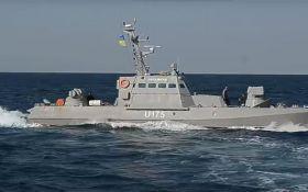 Российский боевой корабль бежал от украинских катеров: опубликовано видео