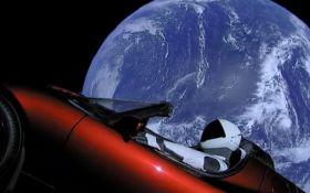 Електромобіль Маска перетнув орбіту Марса