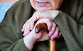 Провели спецоперацию: соцсети шокировал случай с пенсионеркой в России